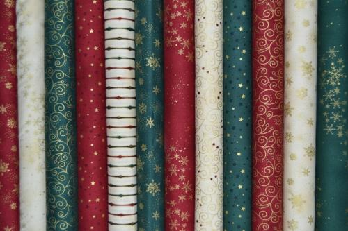 Lot de 12 coupons Patchwork Noël assortis - 24x27cm