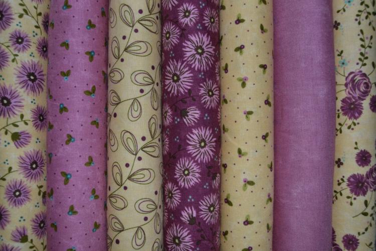 Tissu moda prints charming lot de 7 coupons jaunes et grenats - Lot tissus patchwork pas cher ...
